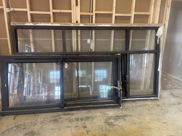 Photo 2 commercial glass doors (Sioux Falls)