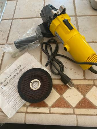 Photo 4.5 in Angle Grinder New in Box. Let me know if you have any questions - $25 (Rapid City)
