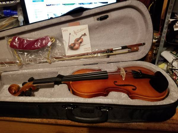 Photo Brand New VIOLIN and accessories, 44 full size - $85 (Rapid City)