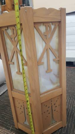 Photo Church lights, oak and stained glass - $75 (Luverne)