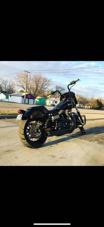 Photo Harley Davidson FXDB Street Bob - $8,500 (Jamestown)