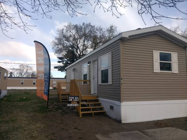 Photo NEVER BEEN LIVED IN BRAND NEW 2020 HOME FOR SALE (Minot MHP North Star MHP)