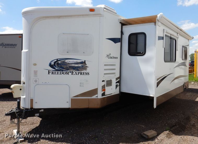 Photo Used 2012 Forrest River Travel Trailer RV