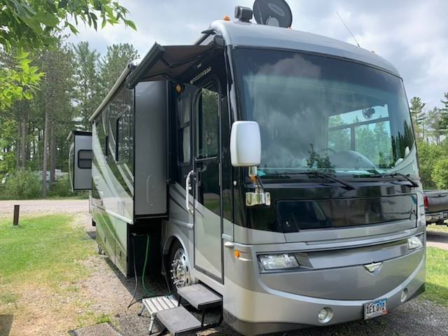 Photo Used 2008 Fleetwood Class A RV  $93000
