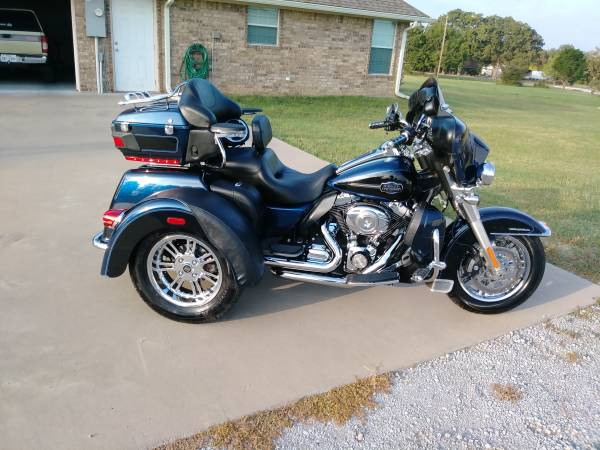 Photo 2012 Harley Davidson Tri Glide With 16818 miles - $23,000 (Fort Worth)