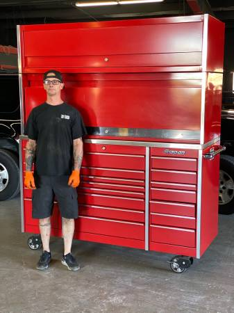 Photo 2018 Snap On Tools KRA1023 LARGEST TOOLBOX MADE Retails $23K - $8695 (Dallas)