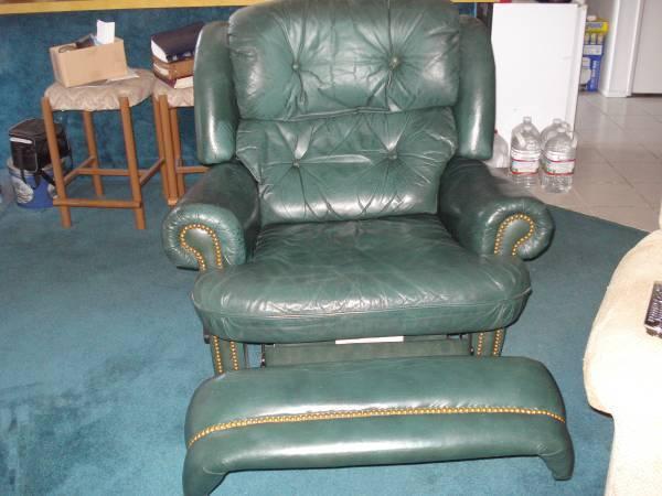 Photo 3 Recliners -Tan Flexsteel -Tan Glider rocker -Green leather (frisco)