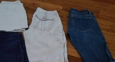 Photo 3 pairs Women39s shorts size 0 (Old Navy, The Limited) - $30 (Haltom City)