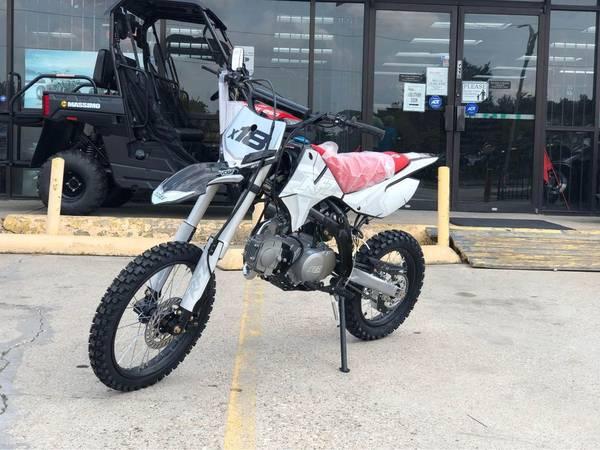 Photo APOLLO DB-X18 125cc RFZ 125cc RACING Dirt Bike, 4 stroke, Single Cylin - $1,299 (We Open  1000am  We Close  6  pm)
