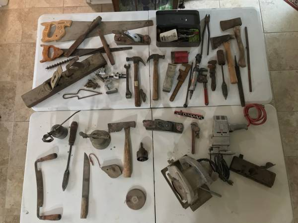 Photo Antique Tools Craftsman Black  Decker - $100 (Lewisville)