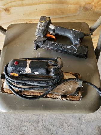 Photo Crane Carpet Iron and Stapler - $50 (Crowley)