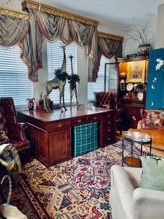 Photo Desk antique leather partners (Highland Park)