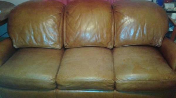 Photo Hancock and Moore Leather Sofa - $500 (East Dallas)