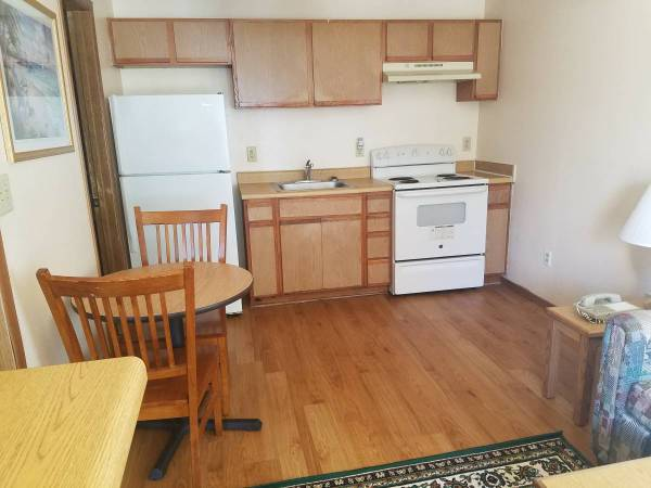 Photo Hurry To Budget Suites - $229 Weekly - 5289 St Hwy 121 (THE COLONY)
