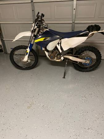 Photo Husqvarna 350 - $5800 (Addison)