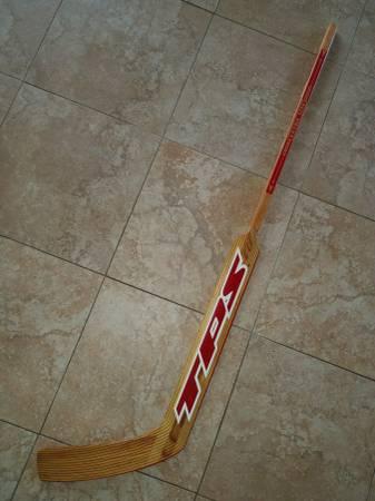 Photo Ice hockey goalie stick - like new - $20 (flower mound)