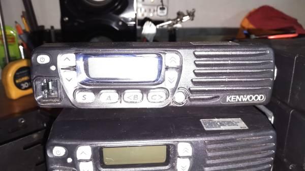 Photo Kenwood VHF  2 meter radio ham radio - $120 (CLEBURNE)