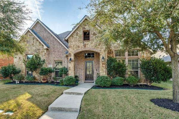 Photo Out with the old, in with the new Home in Frisco. 5 Beds, 4 Baths (Frisco)