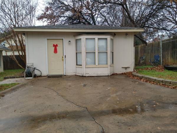 Photo Rooms for rent and Also a House for rent (Arlington)