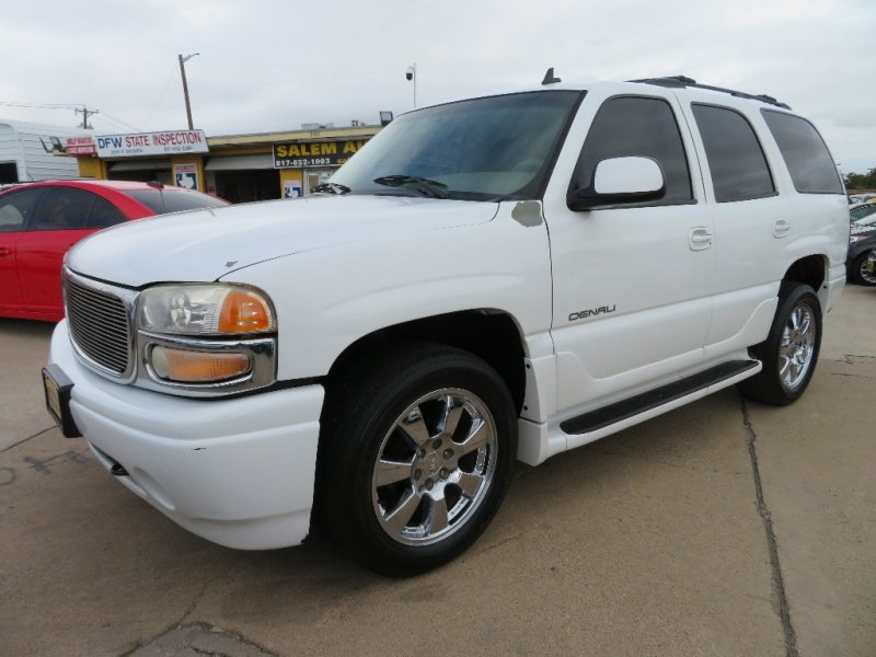 Photo Used 2006 GMC Yukon AWD Denali for sale