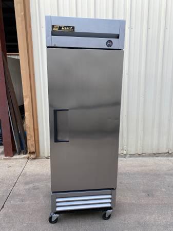 Photo true 1-door stainless steel commercial freezer T-19F - $950 (bakery equipment)