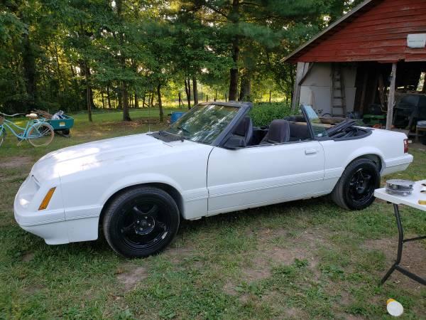Photo 1985 Ford Mustang Convertible - $4,500 (chatham)