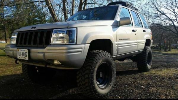 Photo 1998 Jeep Grand Cherokee Limited V8 4x4 Lifted - $1400 (Martinsville)