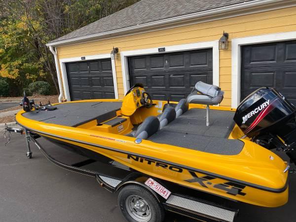 Photo 2009 NITRO X4 Bass Boat  Like NEW  - $13,750 (Chapel Hill)