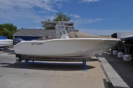 Photo 2010 Key West 244 Center Console - $27,900 (danville)