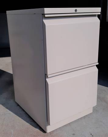 Photo 2 Drawer Heavy Duty File Cabinet on Casters - $40 (Wendell)