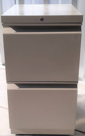 Photo 2 Drawer Heavy Duty File Cabinet on Casters with key - $40 (Wendell)