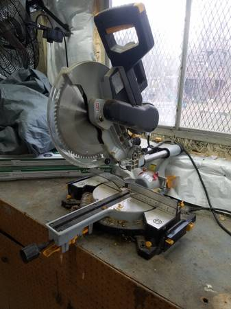 Photo CHICAGO ELECTRIC 10 In. Sliding Compound Miter Saw - $65 (CONCORD)