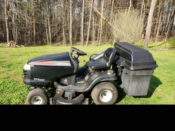 Photo Craftsman Riding Mower - $375 (Milton)