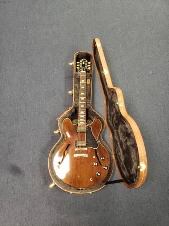 Photo Gibson ES-335 Satin Walnut - $2299 (Danville)
