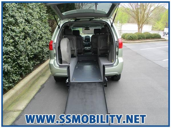 Photo HANDICAPWHEELCHAIR ACCESSIBLE VAN - 2009 TOYOTA SIENNA CELE - $10988 (Handicap Wheelchair Accessible Vans)