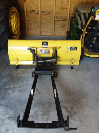 Photo John Deer 48inch snow plow - $500 (Skipwith)