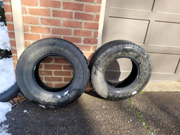 Photo SOLD2 Goodyear Wrangler tires - $25 (Danville)