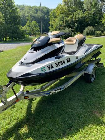 Photo Sea Doo Jet Ski - $9,995 (Goodview)