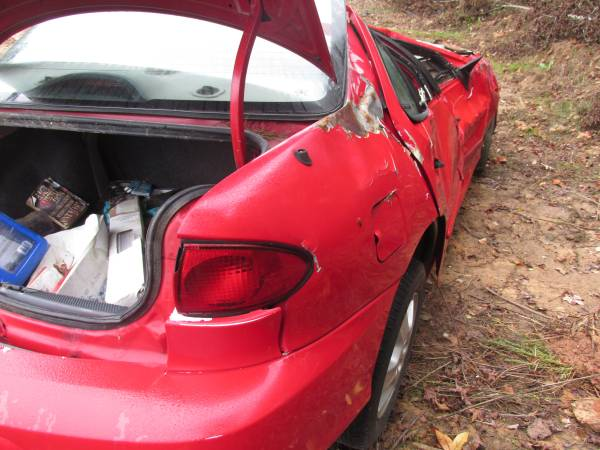 Photo USED PARTS RED 2002 CHEVY CAVALIER (HALIFAX)