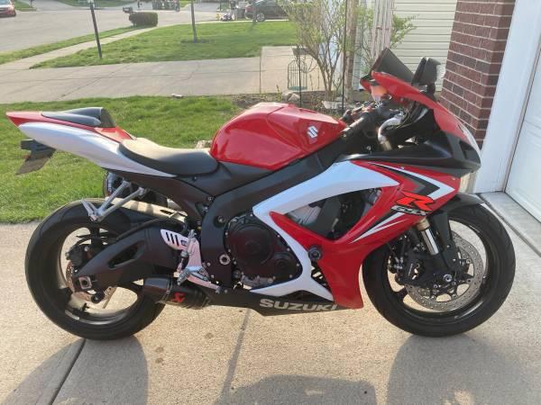 Photo 07 Suzuki GSXR 600 - $5,500 (Troy)