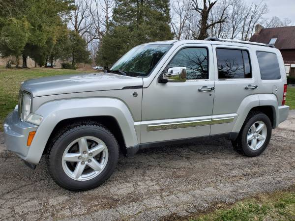 Photo 10 JEEP LIBERTY LIMITED 4WD- ONLY 105K MI. LEATHER, ROOF, CLEAN SHARP - $8995 (Superior Auto Sales - Miamisburg)