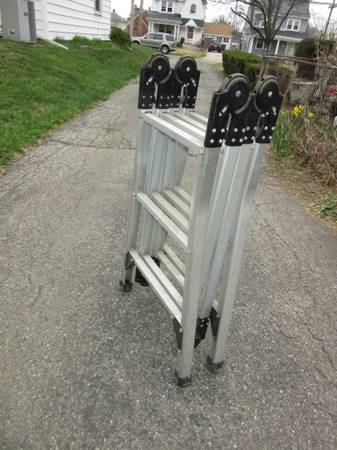 Photo 12 ft. Aluminum Articulating Multi-Position Ladder 225 lb rated - $60 (DAYTON)