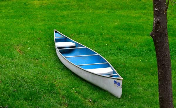 Photo 15 ft canoe - $250 (Ft. Thomas, KY)