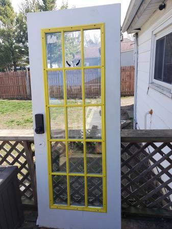 Photo 15 panel 32in exterior door with smart lock - $75 (Saint Paris)
