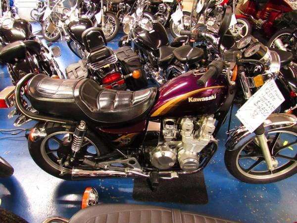 Photo 1983 Kawasaki KZ550 - Excellent condition, low miles - $2,850 (Williams Vintage Cycle - Xenia, OH)