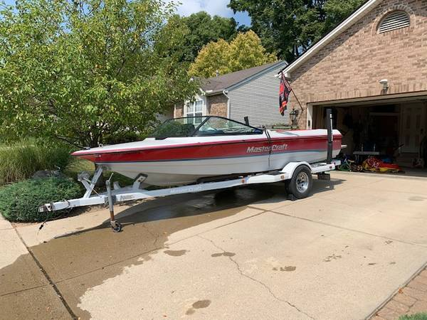 Photo 1993 MasterCraft 190 Prostar Competition Ski Boat w Accessories - $11,250 (Fairborn, OH)