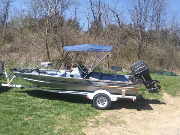 Photo 1994 Gruman Bass Boat - $5,500 (Middletown Ohio)