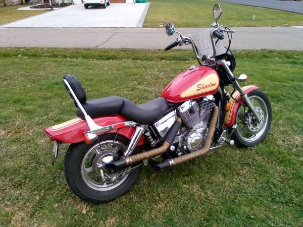 Photo 2000 Honda Shadow quotWinter Sale Pricequot OBO quotMUST SEEquot - $2,200 (Wheelersburg)