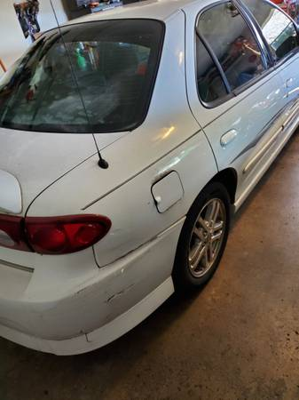 Photo 2004 Chevy Cavalier - $1,500 (Dayton)