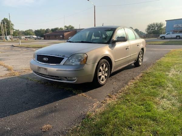 Photo 2006 Ford Five Hundred SEL - $2,600 (Dayton)
